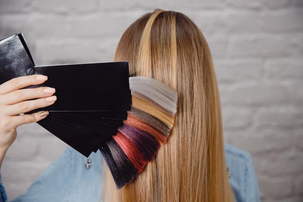 Typberatung, Modestylist inklusiv Haarfarbanalyse bei Transgender